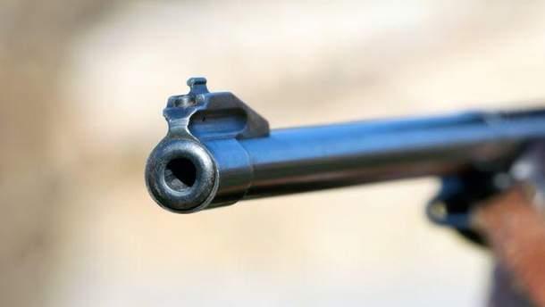 Розстріляв побратимів