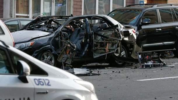 Последствия взрыва авто на Бессарабке в Киеве