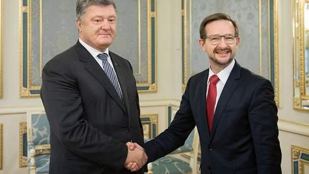 Миротворцы ООН на Донбассе: Порошенко скоординировал подходы с генсеком ОБСЕ