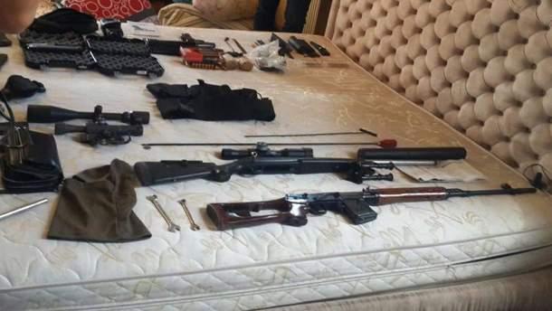 Поліція вилучила арсенал зброї