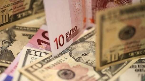 Курс валют НБУ на 15 вересня: долар дорожчає, євро падає