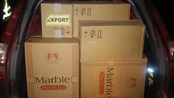 Контрабандну партію сигарет виявили прикордонники на Закарпатті