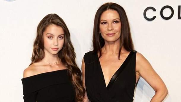 Кэтрин Зета-Джонс с дочкой Кэрис Дуглас