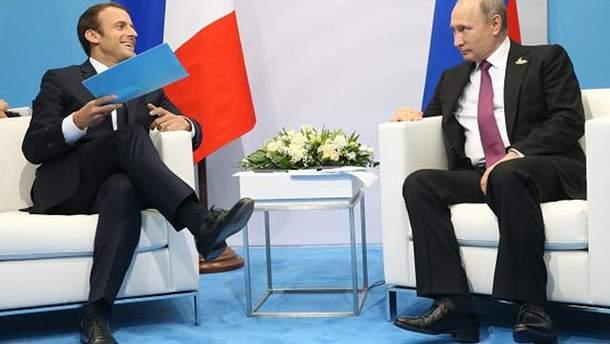 Путін закликав Макрона підтримати ініціативу Росії про введення миротворців на Донбас