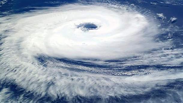 """Ураган """"Норма"""" в Мексике"""