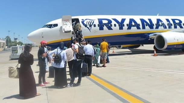 Ryanair скасовує десятки рейсів