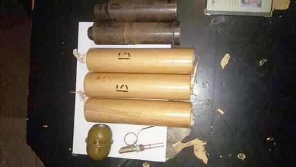 В киевском метро полиция нашла у парня боеприпасы