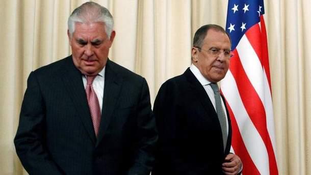 Тиллерсон и Лавров обсудили по телефону ситуацию в Украине