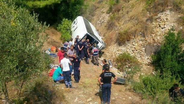 Автобус с туристами разбился в Анталии