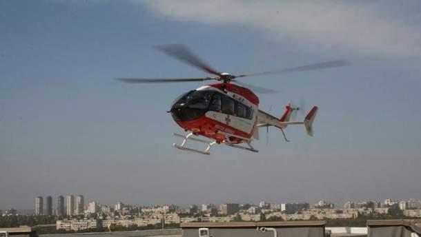 Вертолет ГСЧС доставил пациентку на крышу Института сердца