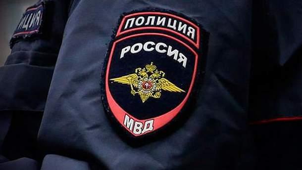 У Криму російська поліція проводить бесіди з жителями службових квартир українських військових
