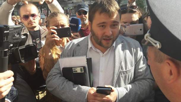 """В Харкові на сесію міськради не впустили депутатів від """"Самопомочі"""""""