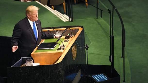Трамп звинуватив Клінтон у появі ядерної зброї в КНДР
