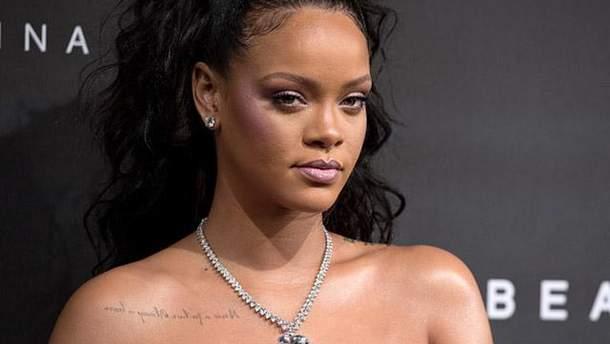 Ріанна на презентації косметики Fenty Beauty by Rihanna