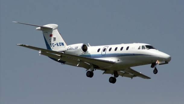 Самолет TC-KON