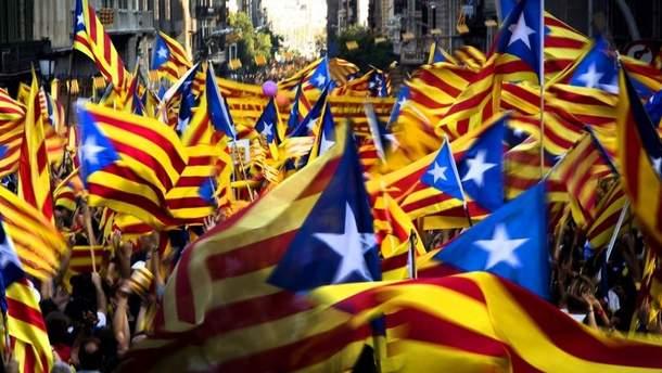 Мадрид скерував до Каталонії тисячі поліцейських