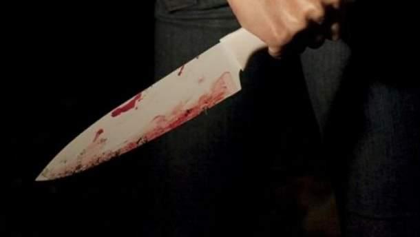 Жуткое убийство в Киеве: женщина после оскорблений в свой адрес вонзила нож в сожителя (18+)
