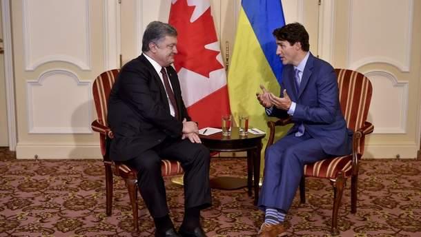 Порошенко и Трюдо обсудили упрощение визового режима с Канадой