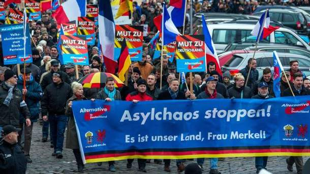 """""""Альтернатива для Німеччини"""" проти біженців і за зняття антиросійських санкцій"""