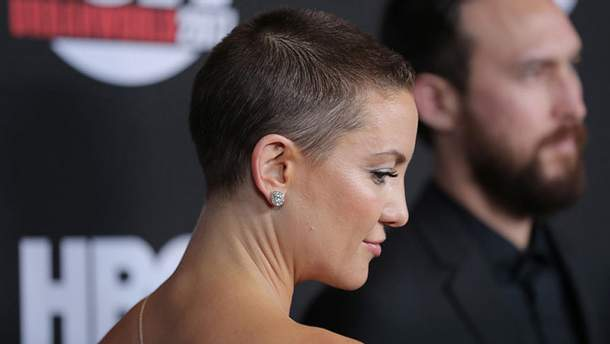 Кейт Хадсон побрила голову