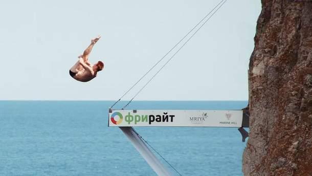 В августе в оккупированном Крыму проходили соревнования по клиффдайвингу
