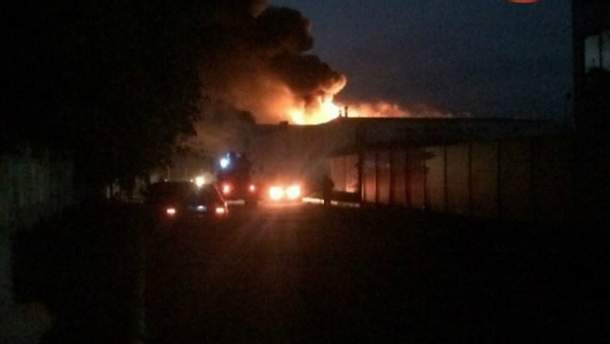 """Пожежа на заводі """"Біофарма"""" у Білій Церкві"""