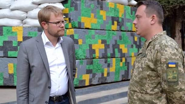 Посол Швеції побував у зоні АТО