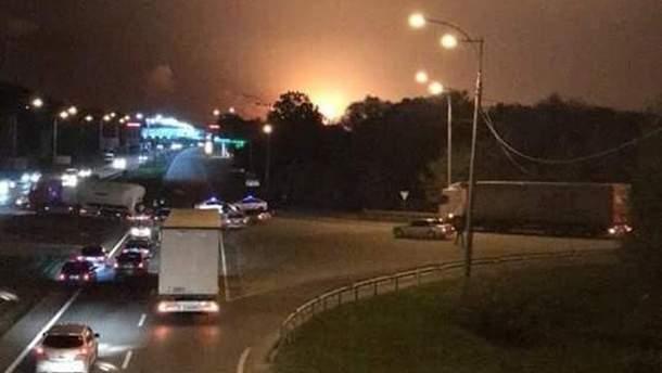 Люди бегут из Винницы и окрестностей из-за взрывов боеприпасов