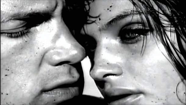 Клип Wicked Game признан самым сексуальным