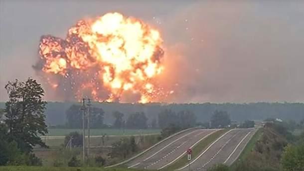 Взрывы в Калиновке: детонируют боеприпасы на открытых площадках хранения
