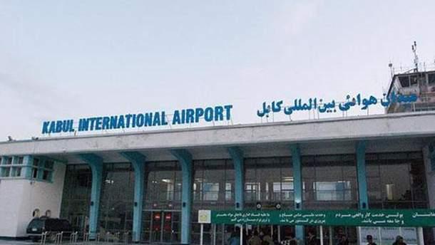 Кабульский аэропорт обстреляли после прибытия министра обороны США