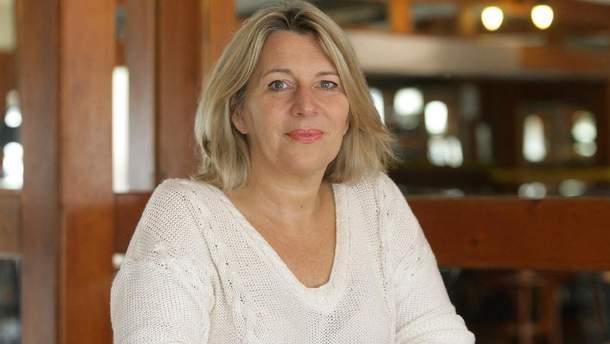 Морваи Кристина еще не скоро попадет в Украину