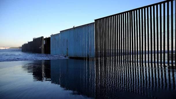 Забор на границе США с Мексикой