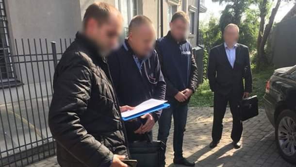 Задержанные адвокаты