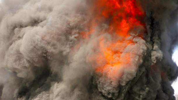 Пожарище на складах в Калиновке сняли с дрона