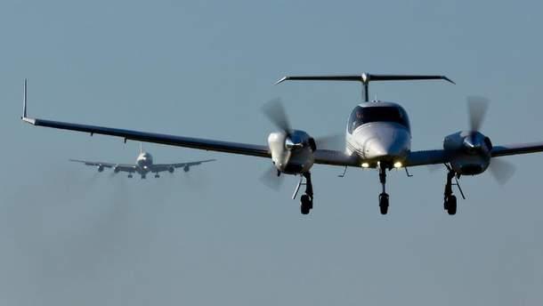 Літак DA-42