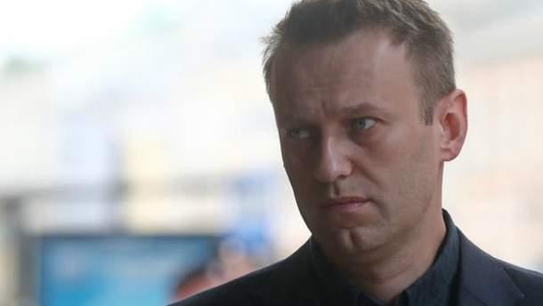 Алексея Навального задержали в подъезде его собственного дома в Москве