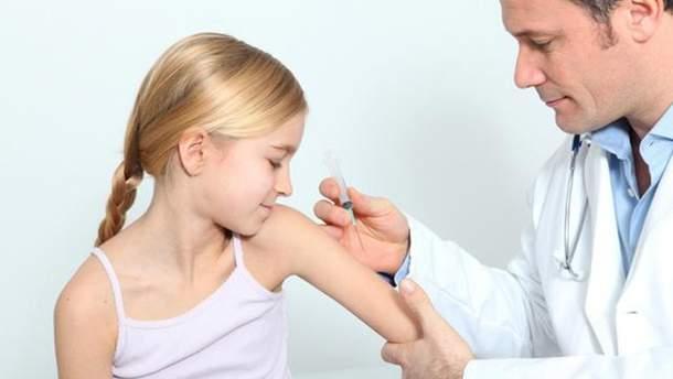 Детей без прививок против кори не допустят к обучению в школах и посещению детсадов