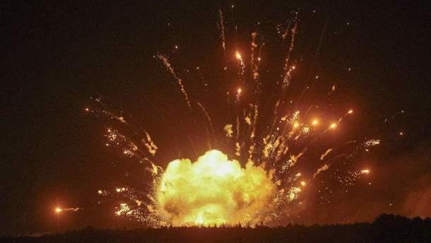 Вибухи в Калинівці: в ЗСУ покарають двох військових, які п'яними охороняли склад