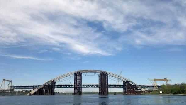 Конструкції для Подільського мосту купують в росіян