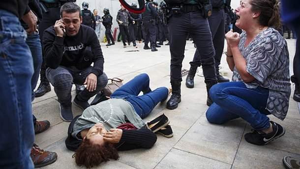 Потерпіла внаслідок сутичок з поліцією у Каталонії