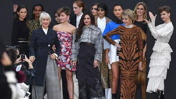 Шоу L'Oreal Paris в рамках Недели моды в Париже