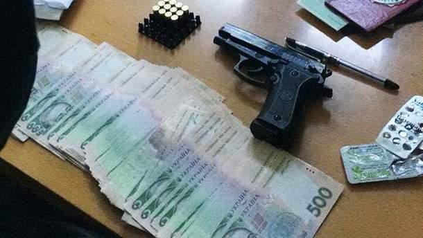 На Донеччині СБУ спіймала на хабарях двох чиновників