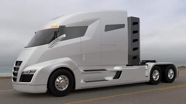 Як виглядає електровантажівка Tesla Semi