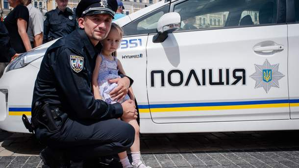 Поліція домомагає громадянам і через інтернет