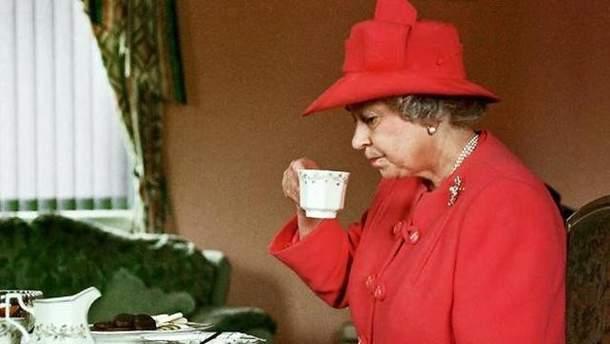Єлизавета ІІ любить пластівці та чай
