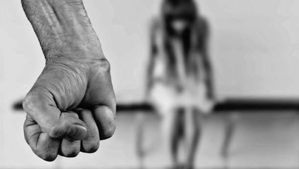 Мужчина изнасиловал девочку 1 октября в городе Новомиргород