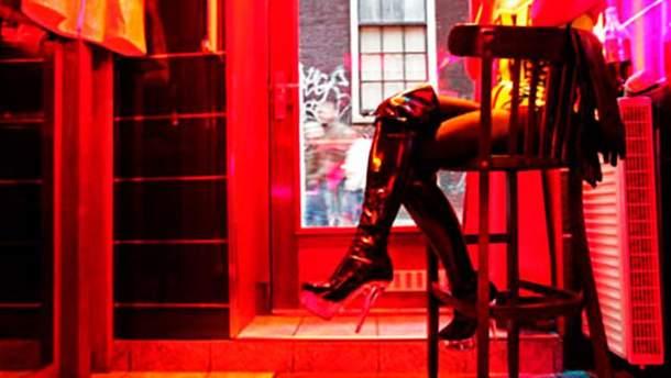 Во Львове правоохранители прекратили работу салона, который предоставлял сексуальные услуги (иллюстрации)