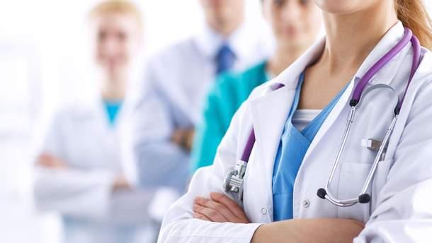 Минимальная зарплата начинающего медика в Украине должна составлять 7 тысяч гривен