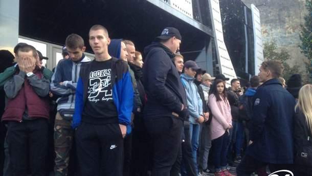 Во Львове активисты блокируют концерт Бабкина